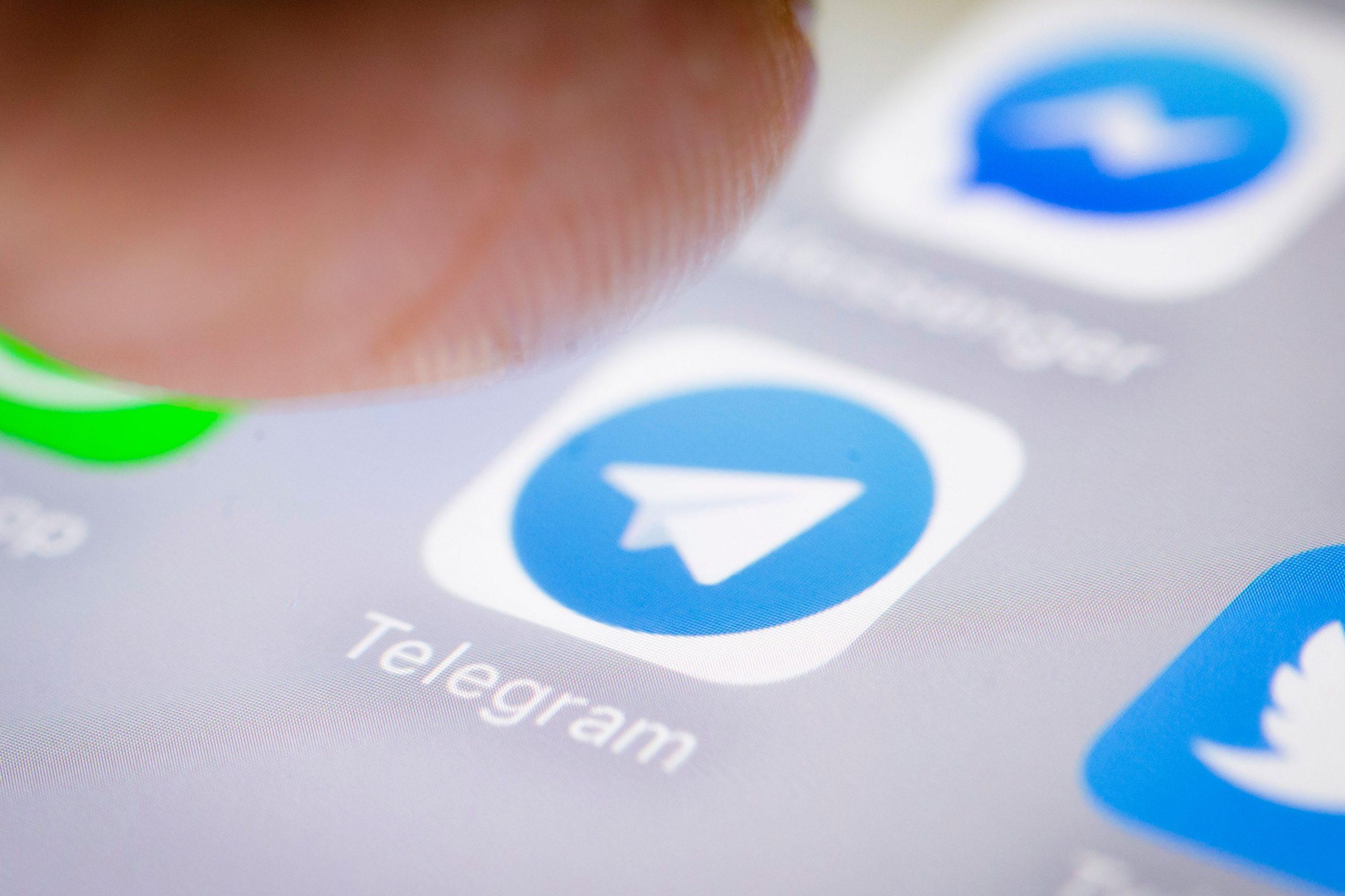 Cara Mudah Membuat Foto Profil Telegram Bergerak