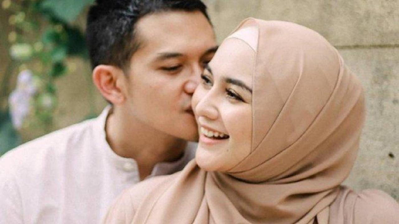 Apakah Bermesraan Dengan Pasangan Hingga Ciuman Membatalkan Puasa?